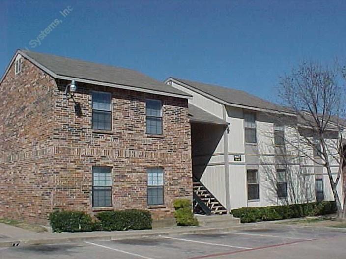 Haltom Oaks Apartments