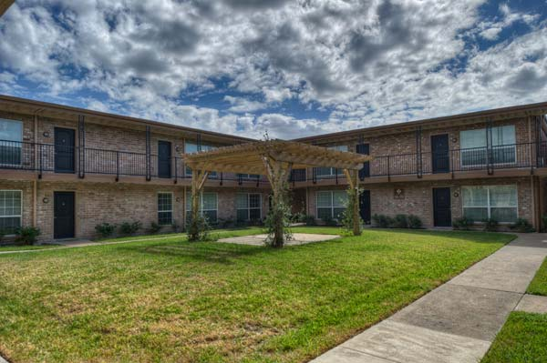 Exterior at Listing #139431