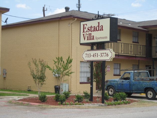 Estada Villa Apartments Houston TX