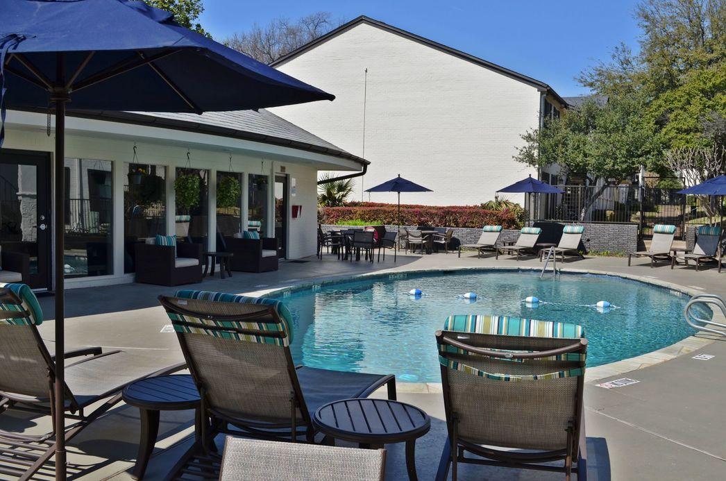 Pool at Listing #136627