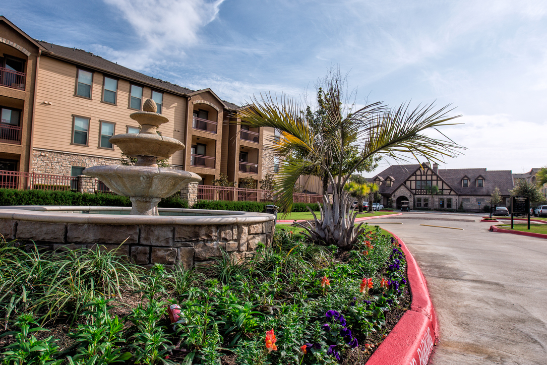 Kensington Crossings Apartments , TX