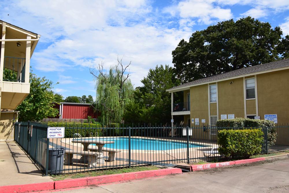 Pool at Listing #136680