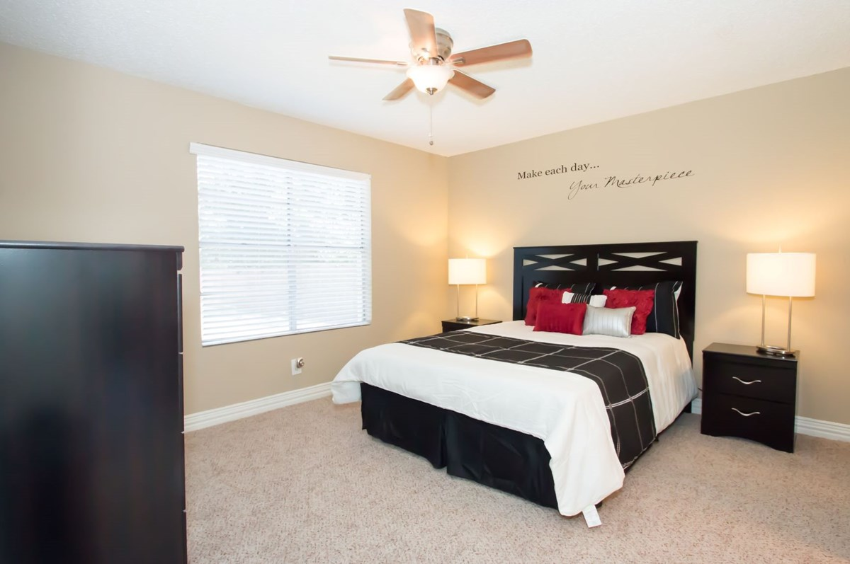 Bedroom at Listing #136898
