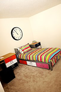 Bedroom at Listing #135681