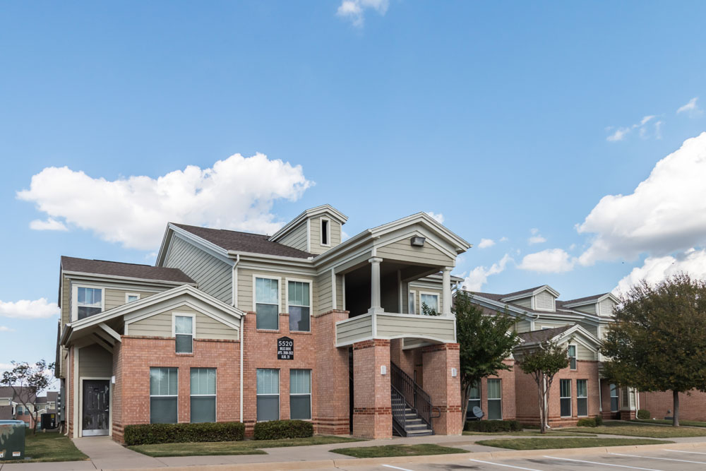 Overton Park Townhomes Apartments Fort Worth, TX