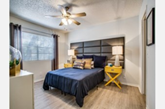 Bedroom at Listing #140927