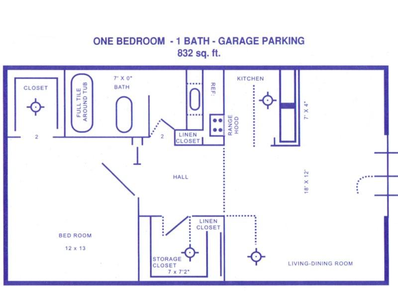 832 sq. ft. A floor plan