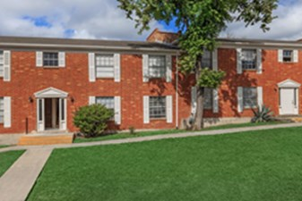 Exterior at Listing #140894