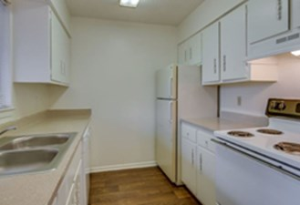 Kitchen at Listing #141295