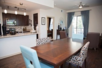 Dinning/Kitchen at Listing #136565