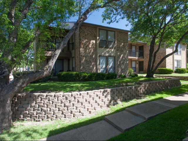 Exterior at Listing #137296