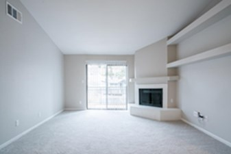 Living at Listing #140517
