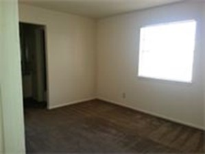 Bedroom at Listing #141041