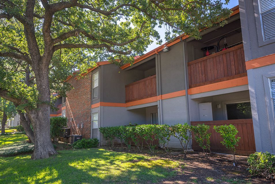 Exterior at Listing #136847