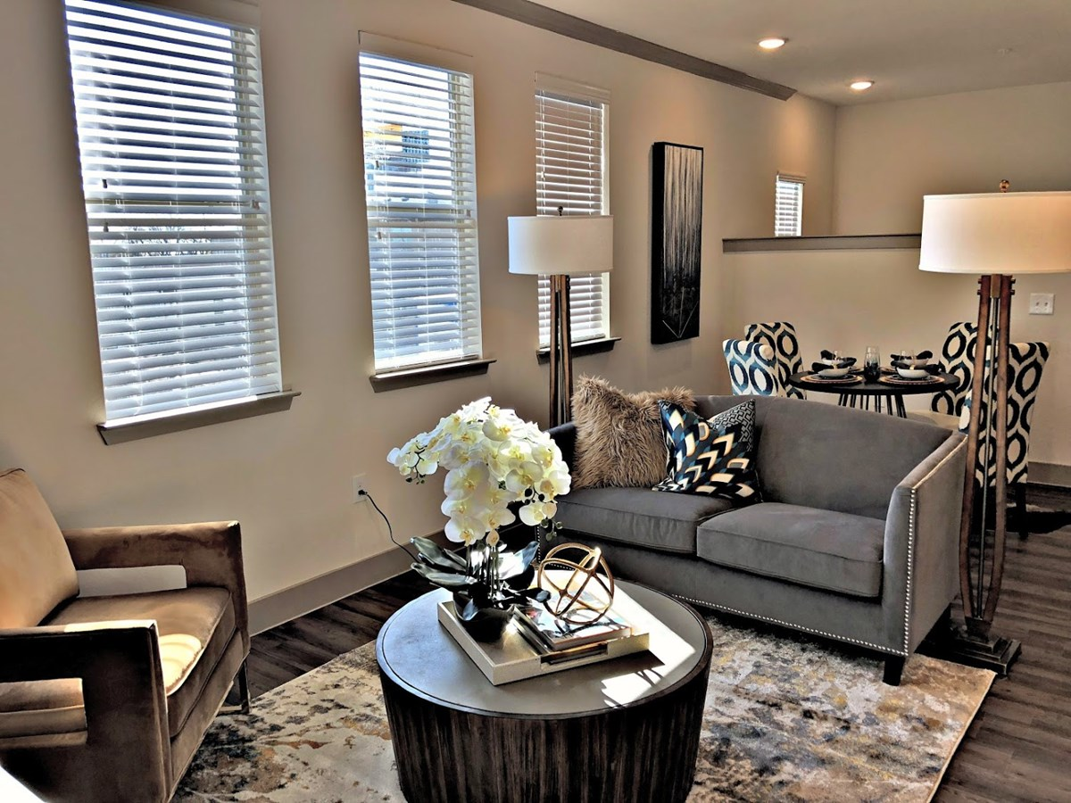 Living Area at Listing #292725