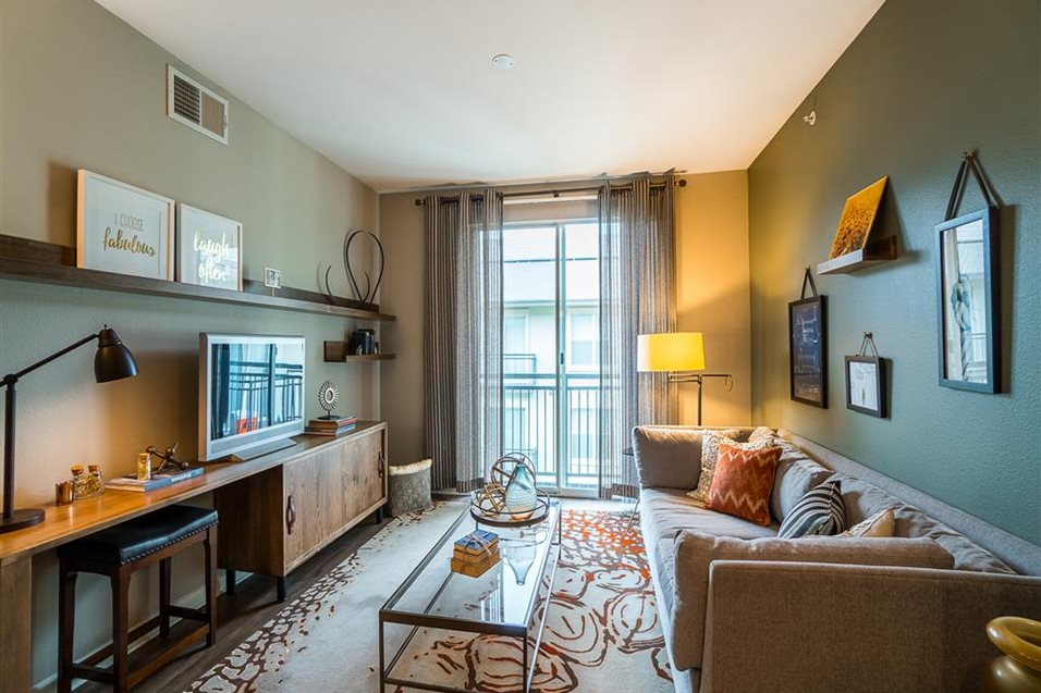 Living at Listing #144802