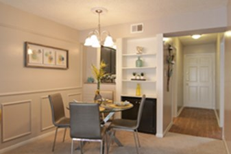 Dining at Listing #138806