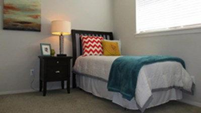 Bedroom at Listing #139591