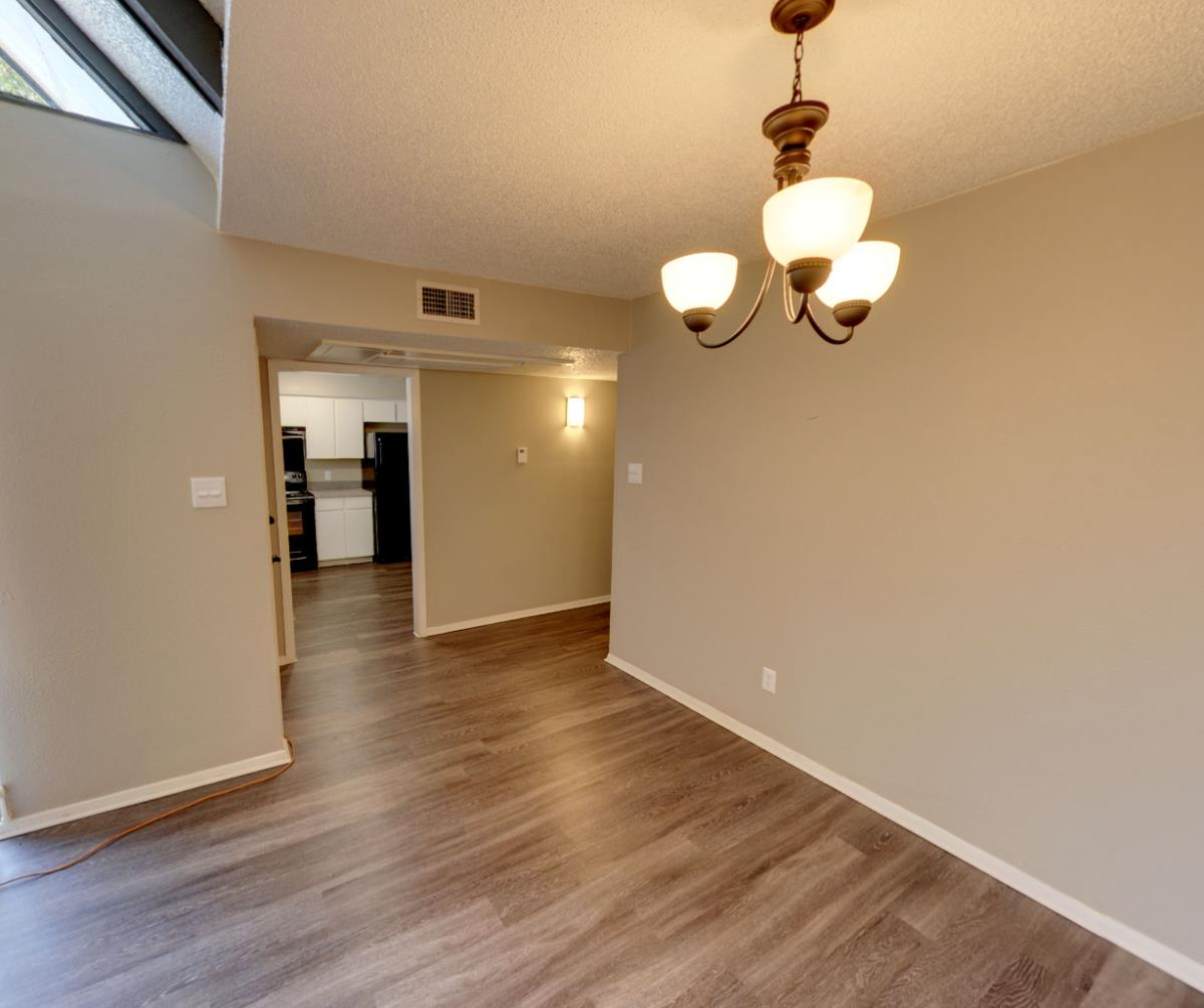 Living/Dining 3x2 townhome at Listing #137550