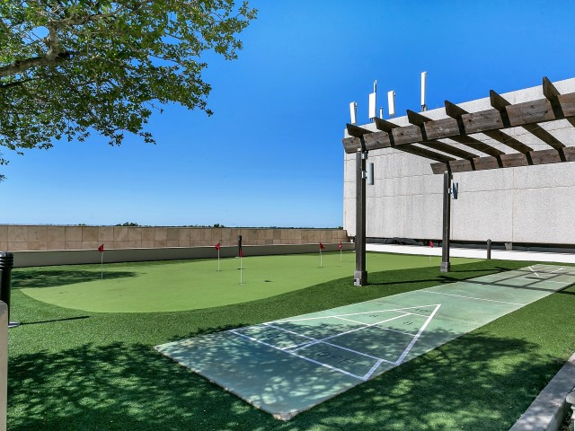 Putting Green at Listing #136613