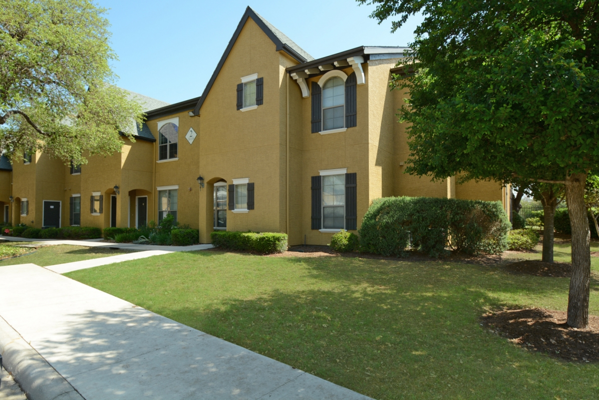 Exterior at Listing #144523