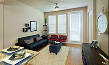 Living Room at Listing #155262