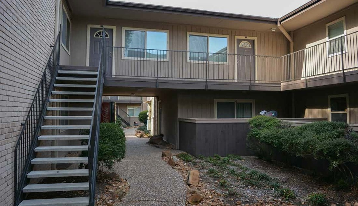 Exterior at Listing #138267