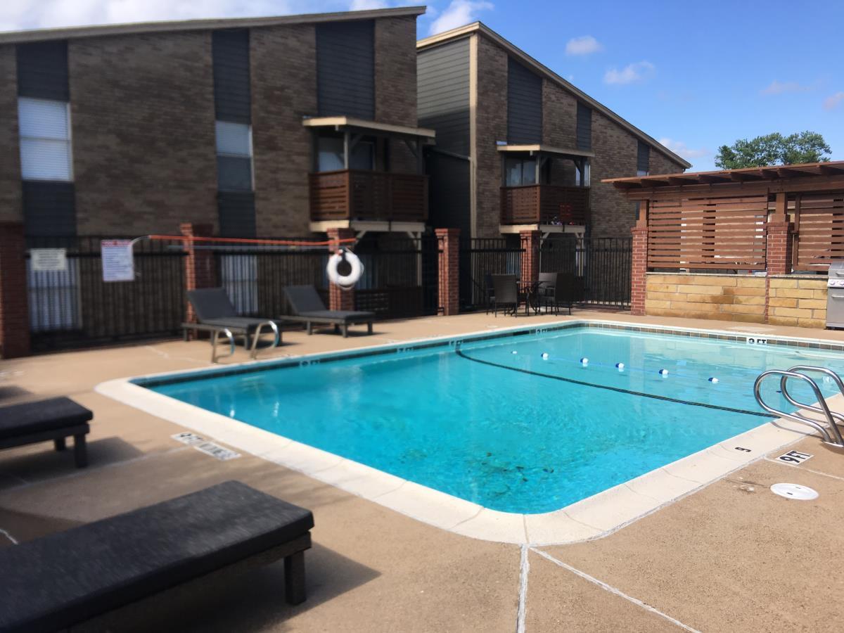 Pool at Listing #136749