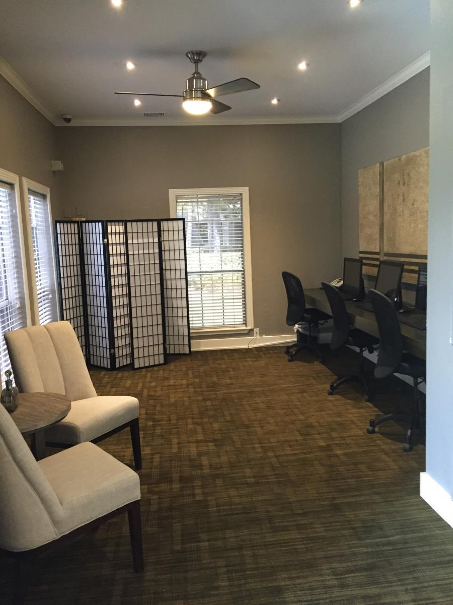 Business Center at Listing #138629