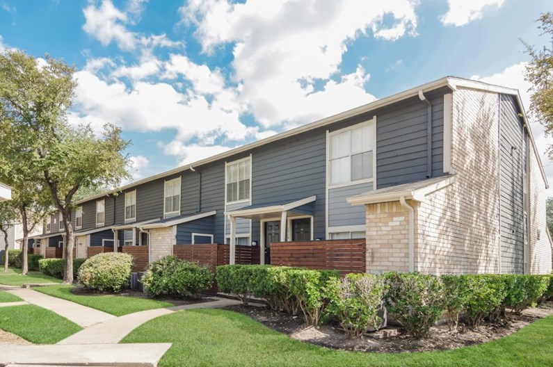 Landings at Steeplechase Apartments