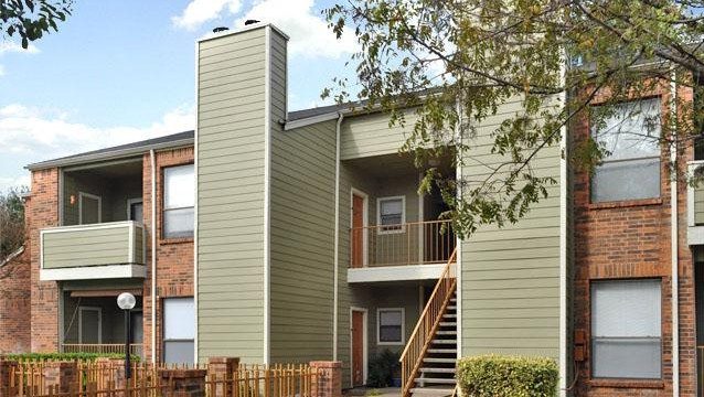 Exterior 2 at Listing #140715