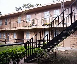 Olde Oaks Apartments Clute, TX