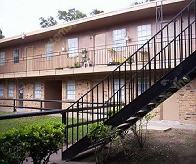 Olde Oaks Apartments