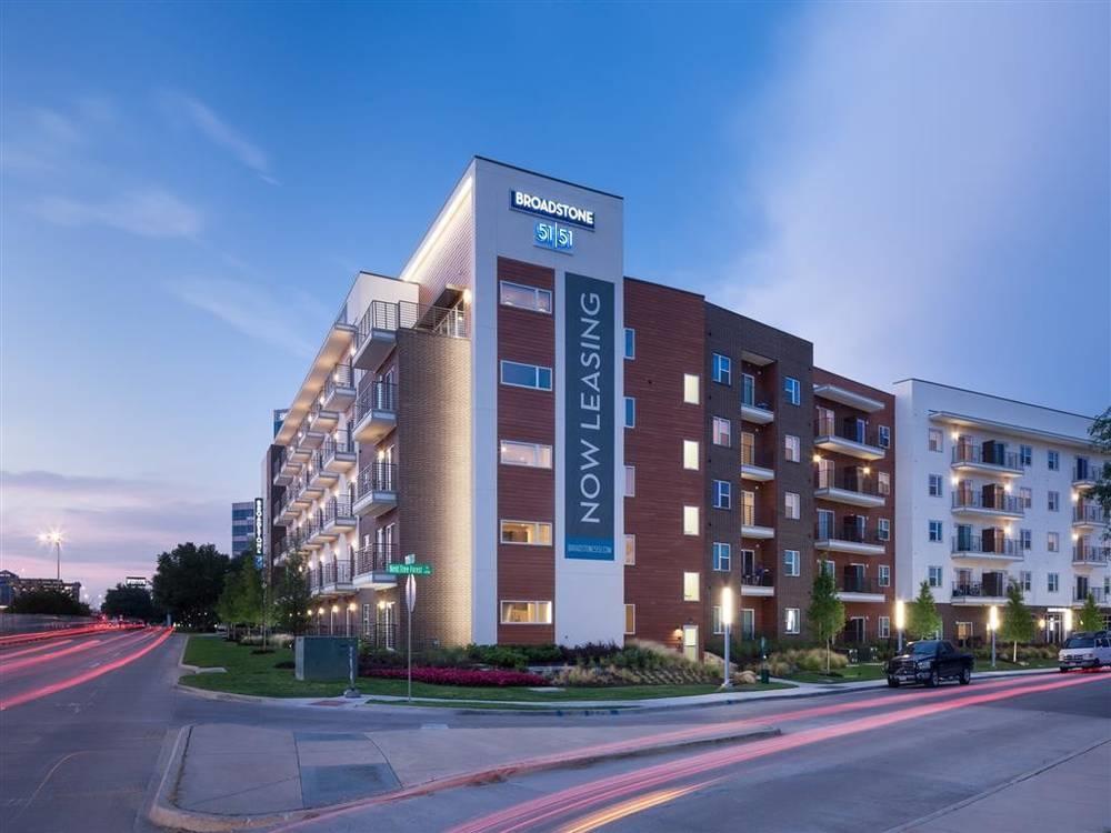 Broadstone 5151 Dallas 1245 For 1 2 Bed Apts