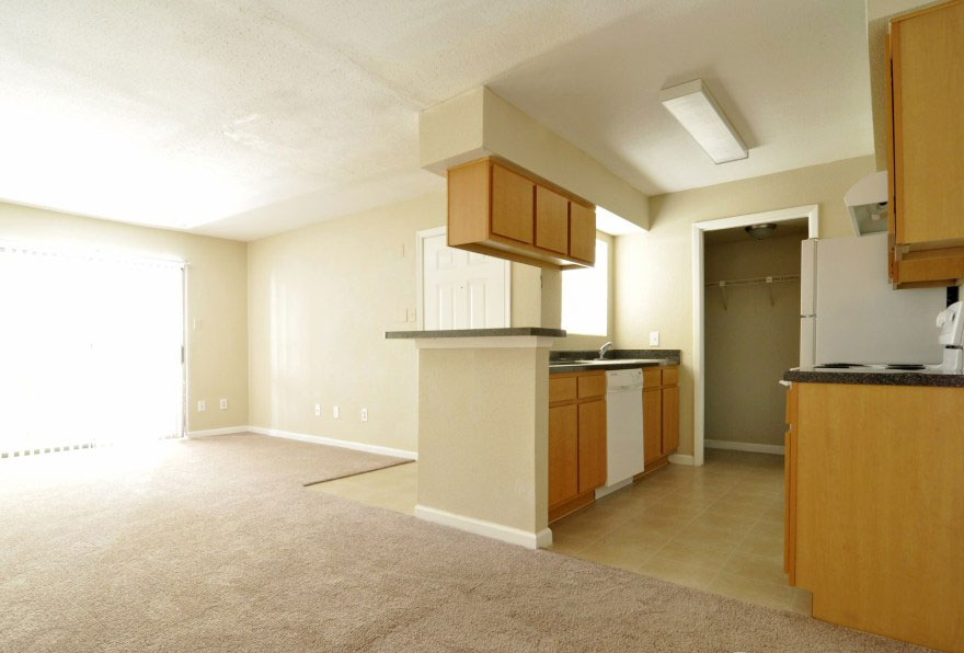 Living/Kitchen at Listing #138641