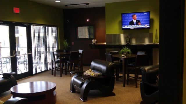 Clubroom at Listing #141734