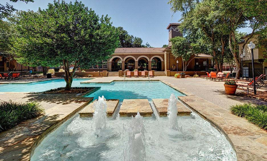 La Costa Apartments Plano TX
