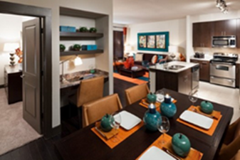 Dining at Listing #240923