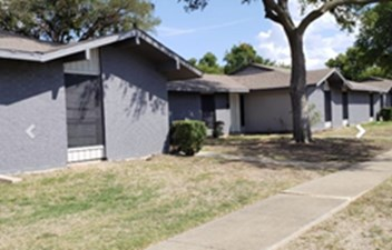 Exterior at Listing #136771