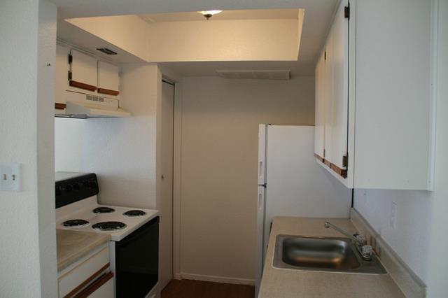 Kitchen at Listing #139891