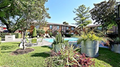 Pool at Listing #138757