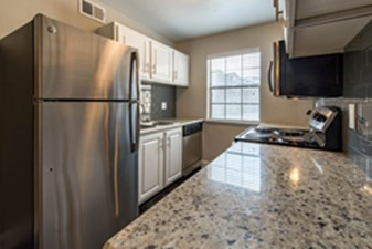 Kitchen at Listing #137295