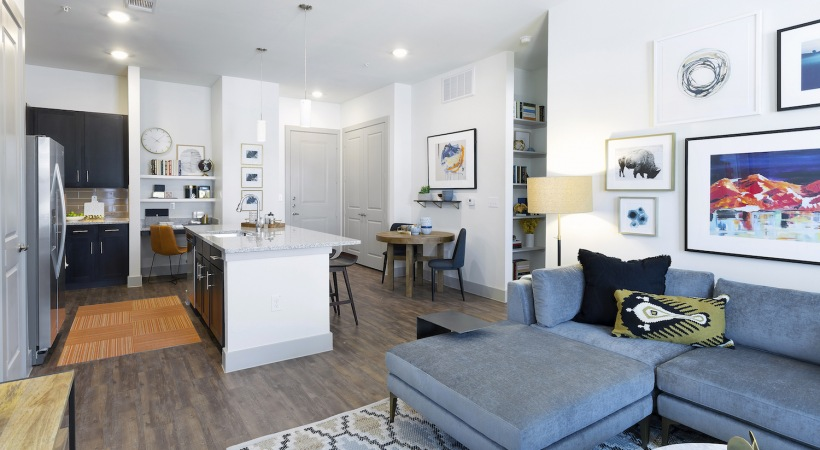 Living at Listing #292709