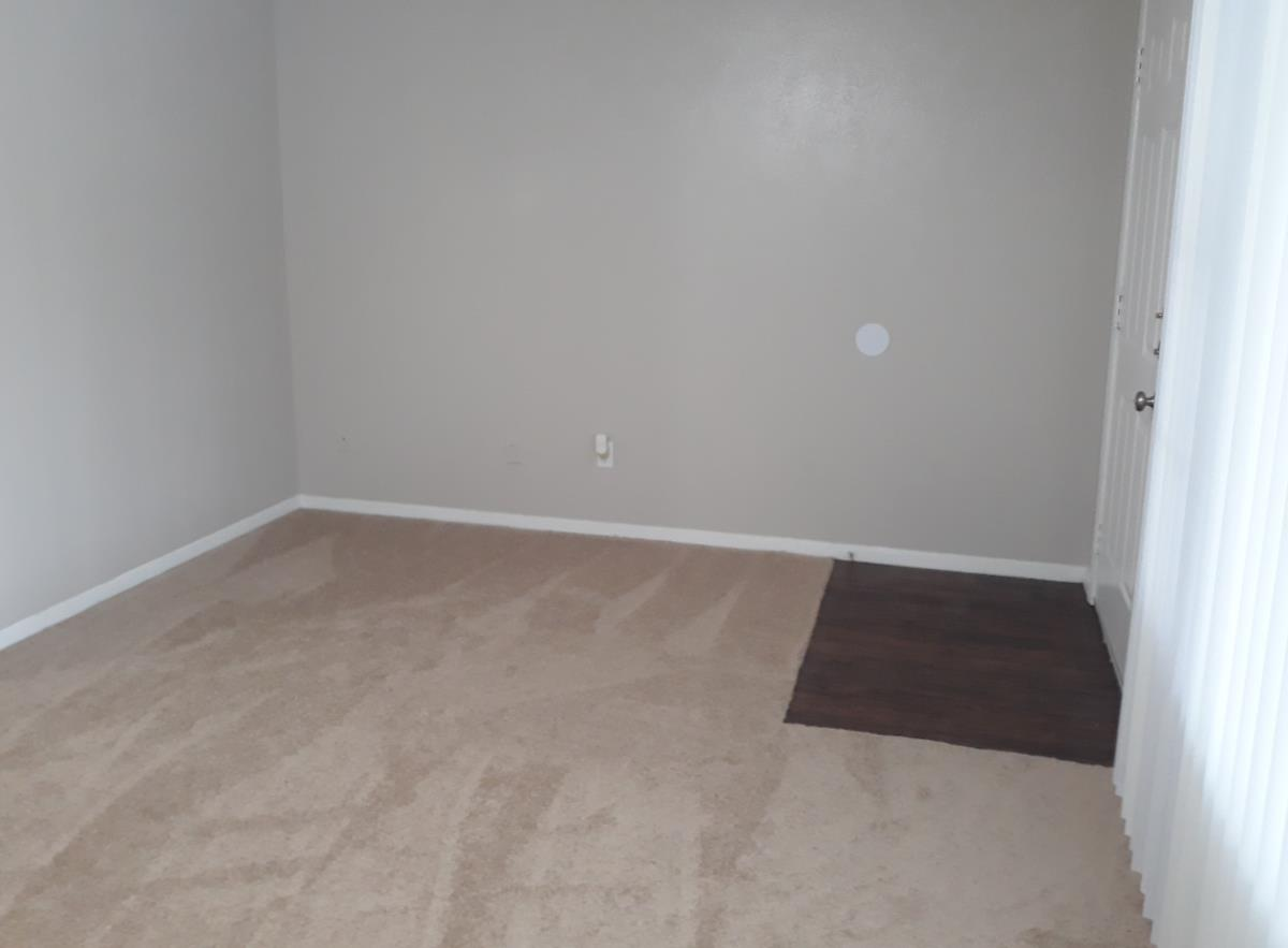 Living at Listing #216276
