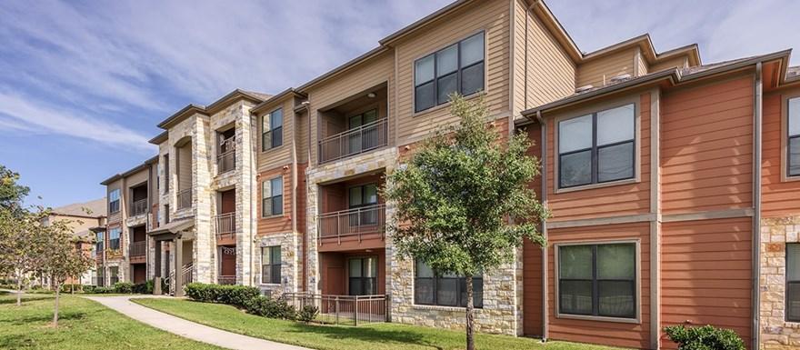 Bulverde Oaks Apartments