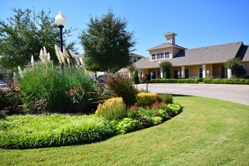 Exterior at Listing #147090