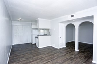 Dining/Kitchen at Listing #141036