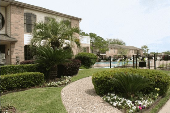 Exterior at Listing #138328