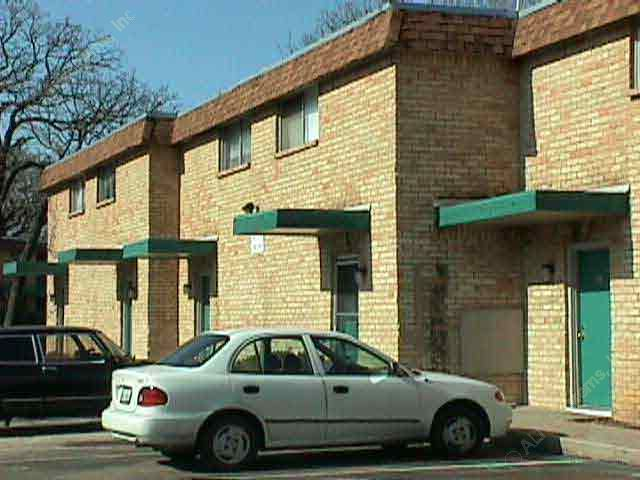 Exterior 2 at Listing #136818