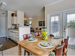 Dining at Listing #137693